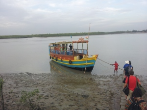 The boat which takes you around Sundarbans